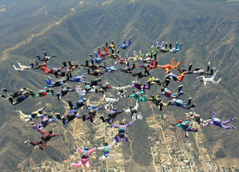 skydivers_over_sixty