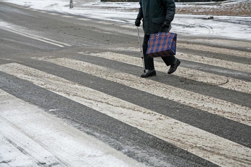 preventing-slips-falls-winter