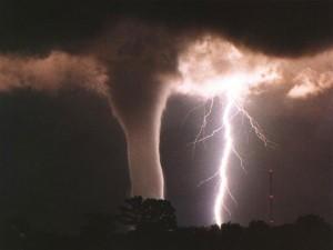 tornadolightning