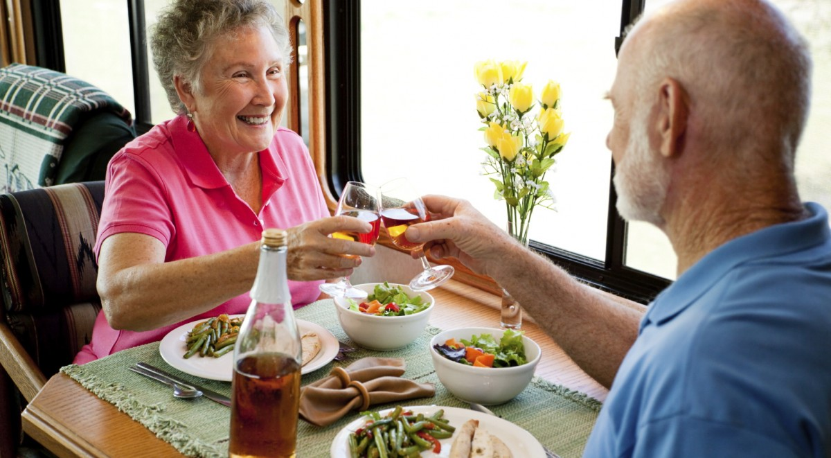 Older-Adults-eating-1200x661